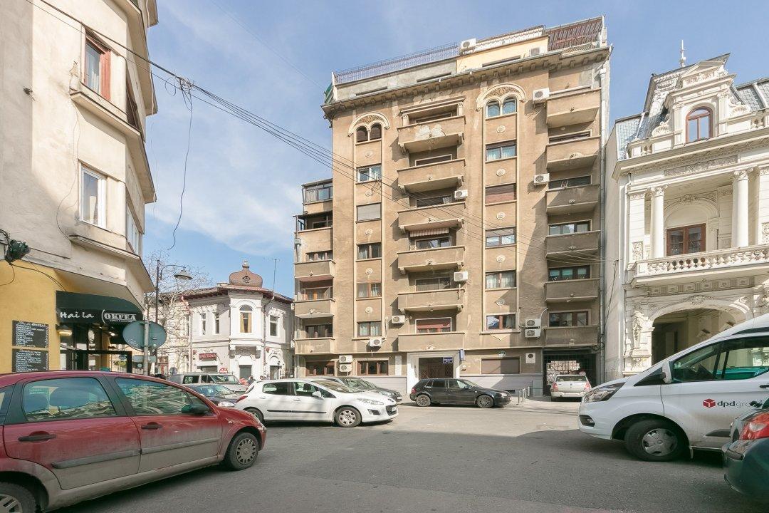 ROMANA vanzare APARTAMENT 3 CAMERE 117 mp , comision 0%