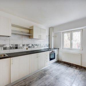 Apartament 3 camere decomandat Calea Calarasi Delea Noua
