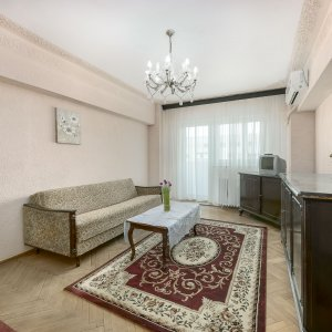 Apartament 3 camere Calea Mosilor- Str Zece Mese