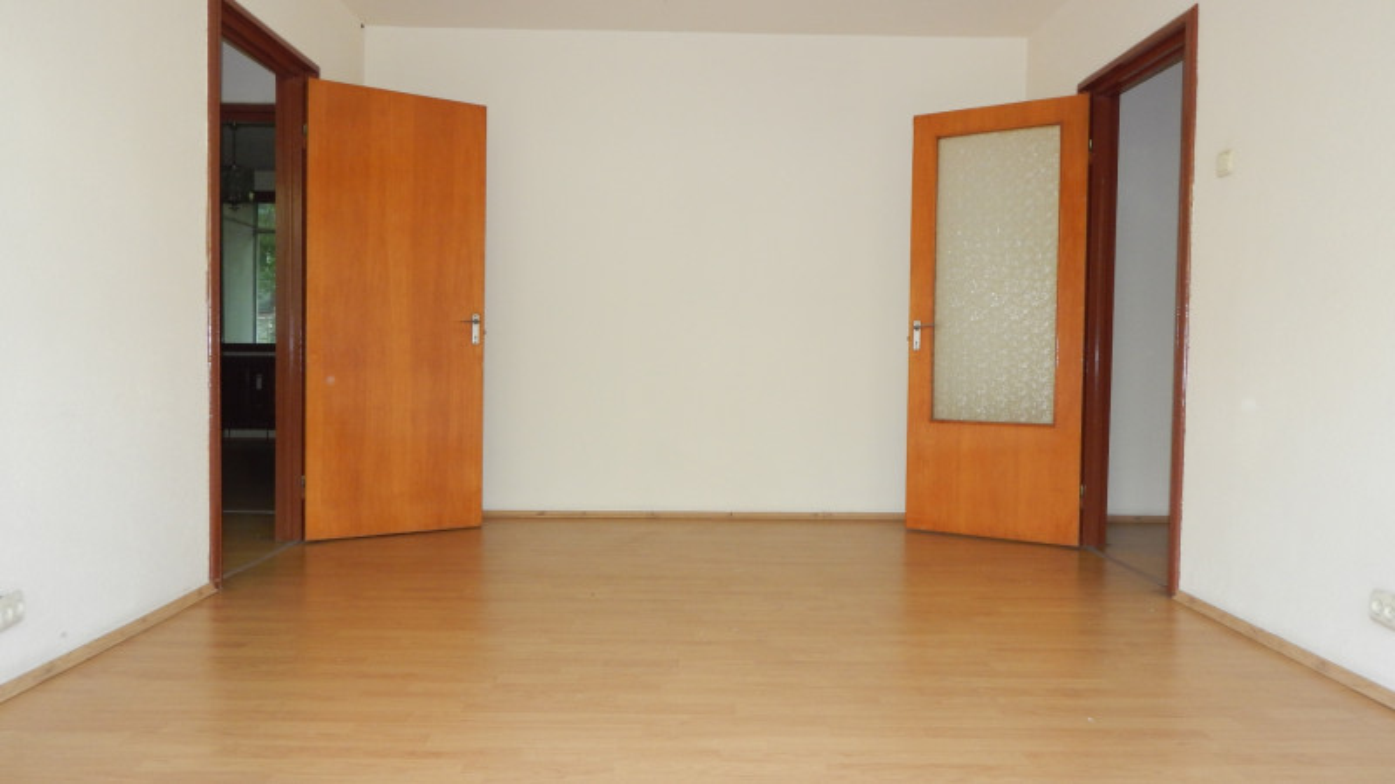 Apartament 3 camere la 1 minut de metrou